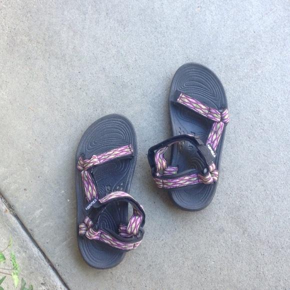 e84eb97c5eb716 Teva Shoes - Tribal print Tevas