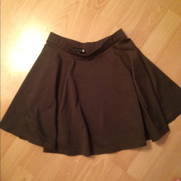 Army Green Skater Skirt - The bronzeish zipper runs up the front.