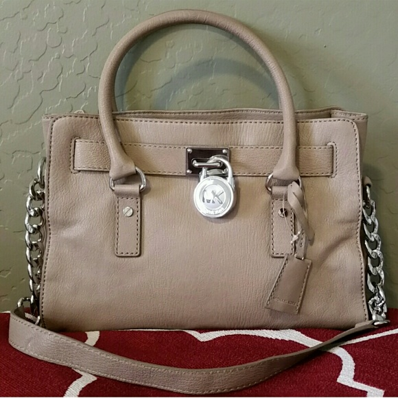 b1a032ed06d27 New Michael Kors Hamilton purse in cement color