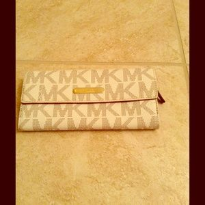 Michael Kors Clutches & Wallets - MK Wallet