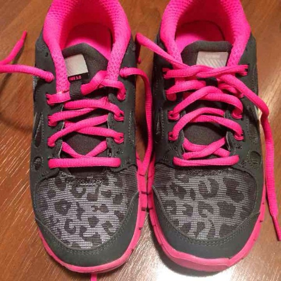 8d1c7fcdf5d999 inexpensive pink leopard cheetah print nike shox brand new and very hard to  find ed514 cfa55  czech cheetah print nike shox 0fa86 4e788