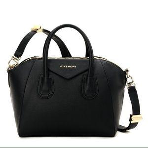 Givenchy Bags - Givenchy medium Antigona rubber effect bag 1f0882218e04c