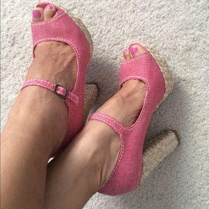 neat high heeled shoes sz 6