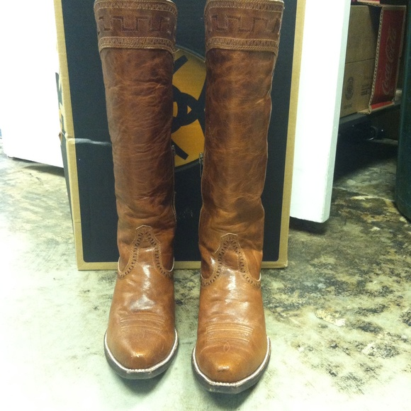 17% off Ariat Boots - Ariat Sahara Boot from Martha's closet on ...