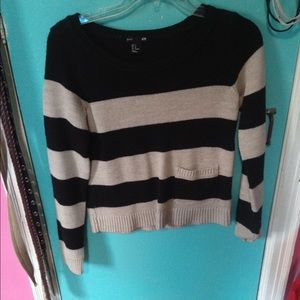 black and ivory crop sweater
