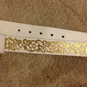 PacSun Accessories - White and gold floral belt