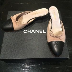 93faeec4f5cac CHANEL Shoes - Chanel pink and black kitten heels!