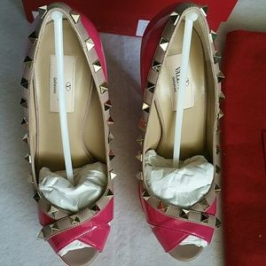 Valentino Shoes - VALENTINO Pop Fuxia Patent Leathr Rockstud
