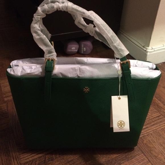 65f22efe061 Green Tory Burch small York buckle tote Handbag