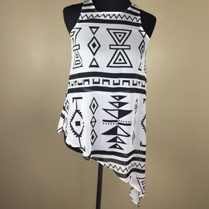 Tops - ⚡️FLASH SALE⚡️White and Black sheer Aztec tank