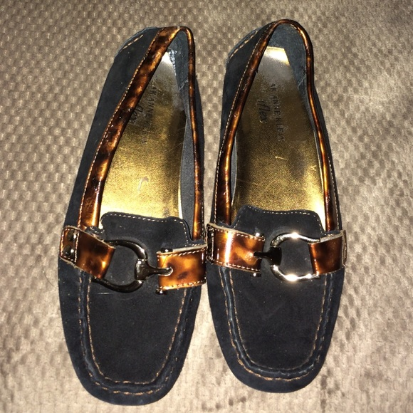 Anne Klein Shoes Iflex Flats