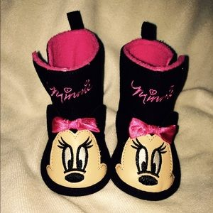 New Disney Minnie Mouse Baby boots 3-6 months