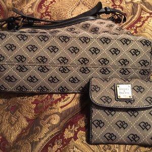 Dooney & Dourke purse w wallet