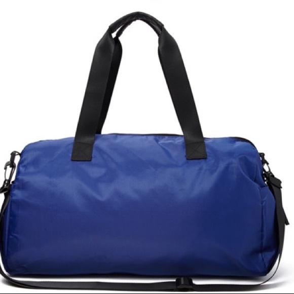 Gym Bag Lorna Jane: 67% Off Lululemon Athletica Handbags