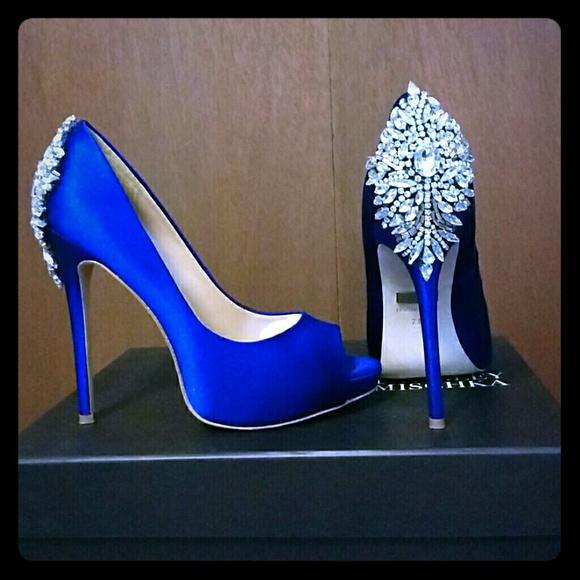 fcf992e2506b Badgley Mischka Shoes - Badgley Mischka Kiara Peep-toe Pump sz 7 blue