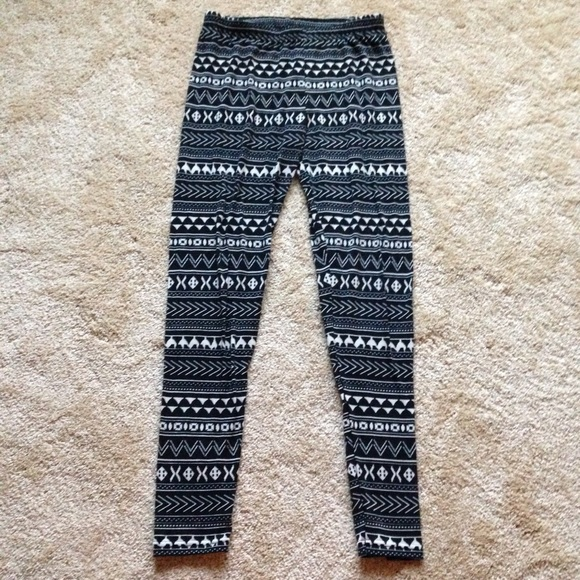67% off Target Pants - 🚫Sold Locally🚫 Black & White Fair Isle ...