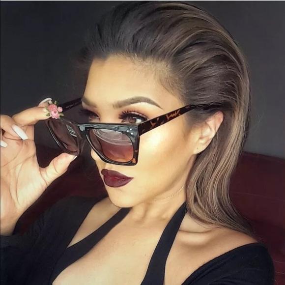 8d1db5568d Accessories - Flat top tortoise sunglasses