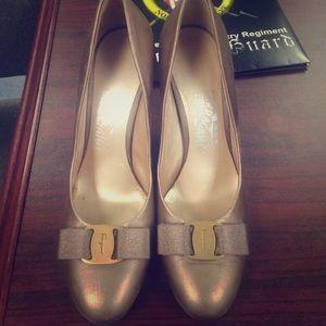 Ferragamo Shoes - Ferragamo classic pumps