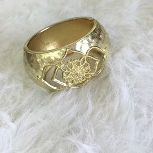 🆕LISTING Gold Lotus Cuff ❗️SALE❗️