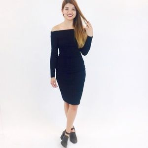 Patty Boutik Dresses & Skirts - 💥🎀3X HP Fav🎀💥Off-Shoulder Black Dress
