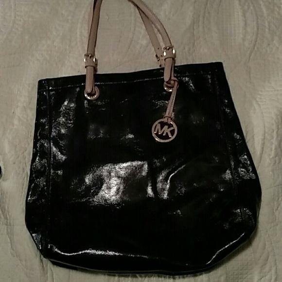 2a4b0c6f4d65c9 Michael Kors Jet Set Black Patent Leather Tote Bag.  M_557b8c612cbedc468900295b