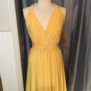 Dresses & Skirts - NWT Yellow Formal Dress