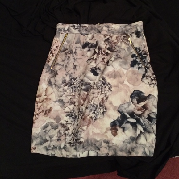 57 h m dresses skirts floral pencil skirt from