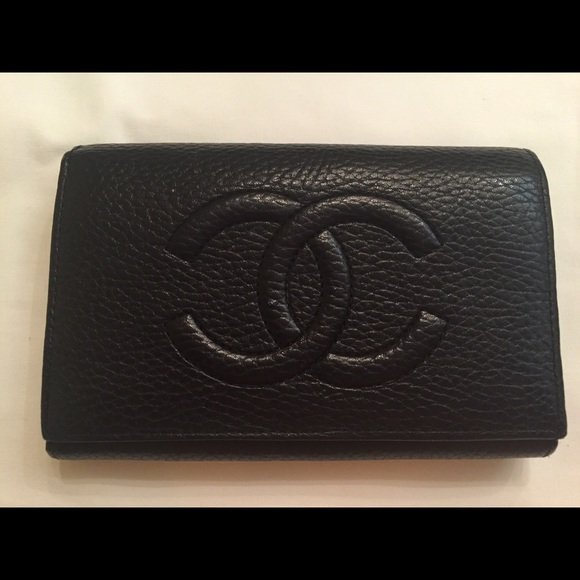 5ca3b0288c03 Chanel Vintage all leather bi- fold clutch wallet.  M 557b91c42a75352503002b02