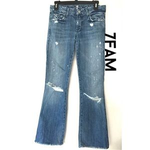 Adorable 7FAM distressed jeans