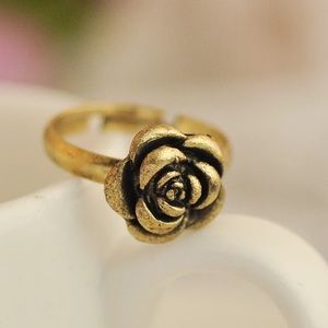 Jewelry - Gold-tone enamel detailed rose ring