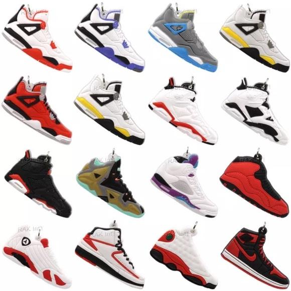 587644c0188431 25 Nike Air Jordan Sneaker Keychains - Random Pick