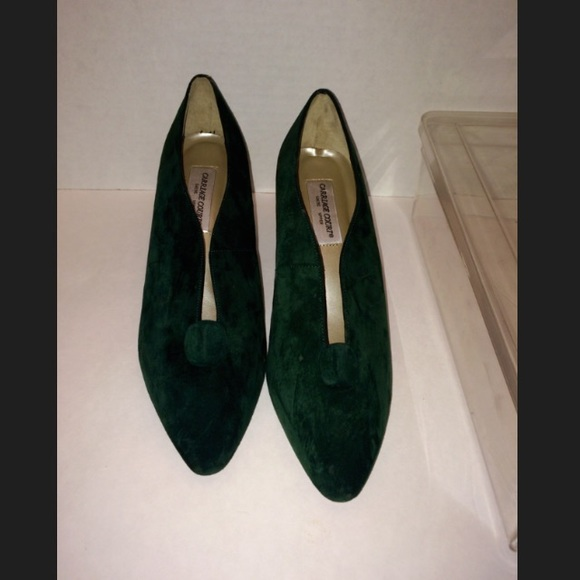 64 off carriage court shoes suede hunter green pumps 3. Black Bedroom Furniture Sets. Home Design Ideas