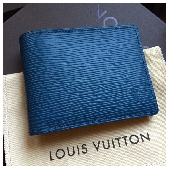 2ed68756f1ef Louis Vuitton - SOLD Louis Vuitton Epi Multiple Wallet from Sunny  39 s  closet