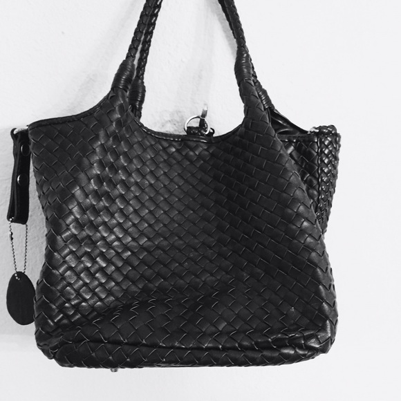 Handbags - Black leather weaved handbag