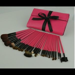 Accessories - Make up brushes