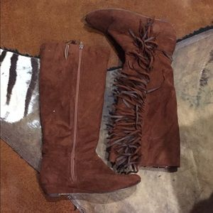 Brown fringe wedge boots
