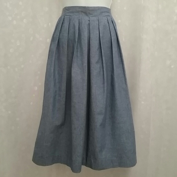 vintage pleated chambray midi skirt m from indra s