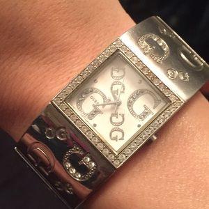 Looks like new watch!