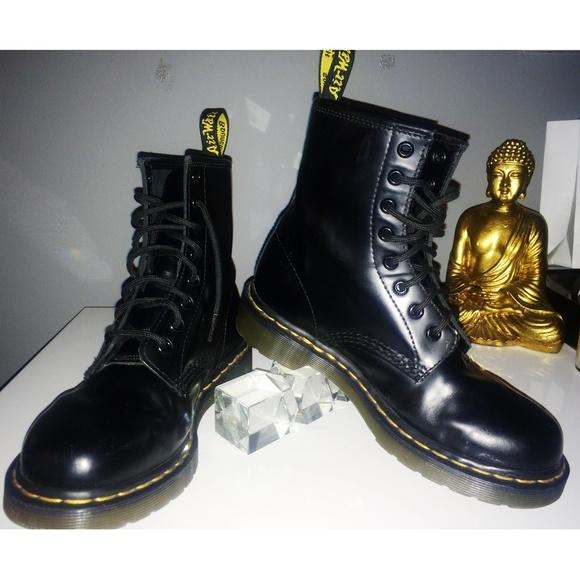 dr martens shoes dr martens air wair poshmark. Black Bedroom Furniture Sets. Home Design Ideas