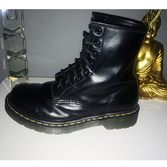 21 off dr martens boots dr martens air wair from mia. Black Bedroom Furniture Sets. Home Design Ideas
