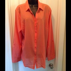 ALLOY Tops - NWT Melon colored blouse.