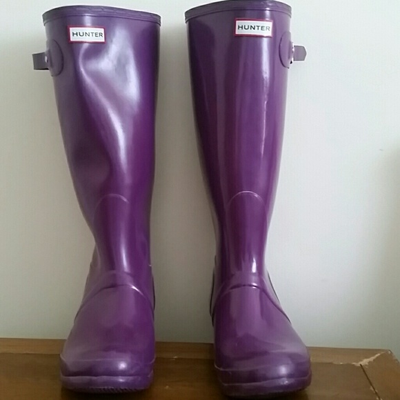 Hunter Boots - Like New Blackberry original Hunter boots size 11 c5a66f27c