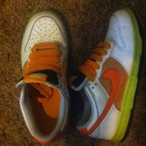 Nike Dunks size 7 women's