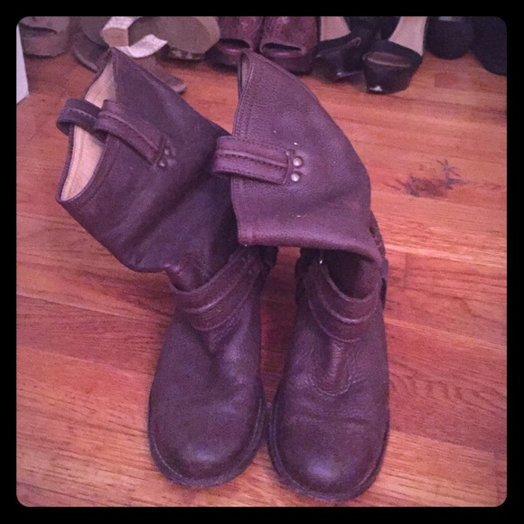🎉SALE!!🎉Size 8.5 Frye boots AUTHENTIC!
