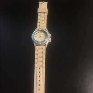 Jewelry - Watch w/Rubber Band & Rhinestones