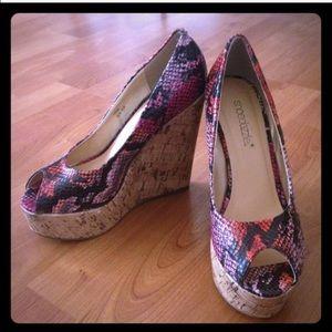 Shoedazzle Shoes - Snake print peep toe wedges