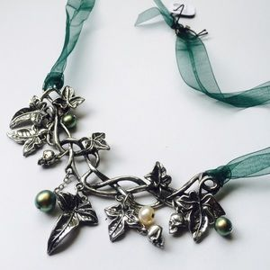 Alchemy Jewelry - Nymph Wild Ivy, Skulls & Pearls Charm Necklace