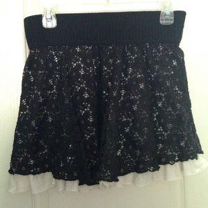 Dresses & Skirts - 😍 Flirty Black Lace Skirt