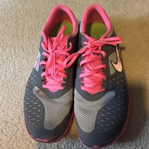 70 nike shoes pink and gray nike free tennis shoes