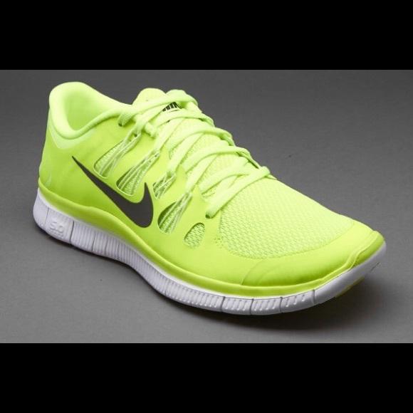 Nike Shoes - Women s volt Nike free 5.0. a301795a9